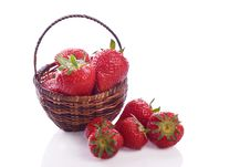 Free Basket Full Of Strawberry Fruit Royalty Free Stock Photo - 32188545
