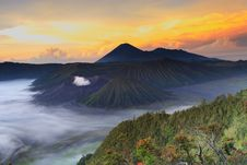 Free Bromo Mountain In Tengger Semeru National Park At Sunrise Royalty Free Stock Photography - 32197507