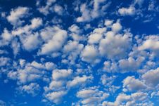 Free White Clouds In Blue Sky Stock Images - 32199104