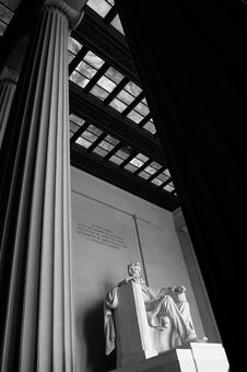 Free Statue Of Abraham Lincoln Royalty Free Stock Photo - 3221915