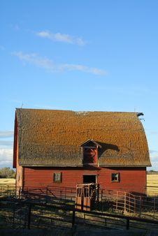 Free Sunset Barn Stock Image - 3224331