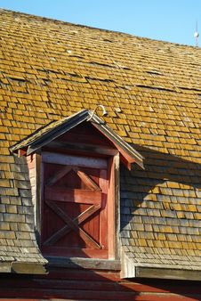 Free Sunset Barn Roof Royalty Free Stock Photo - 3224445