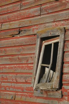 Free Broken Barn Window Royalty Free Stock Photo - 3224455