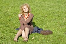 Free Women Sits On Grass Royalty Free Stock Photos - 3224628
