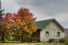 Free Wooden Hut In Fall Royalty Free Stock Photography - 3227217