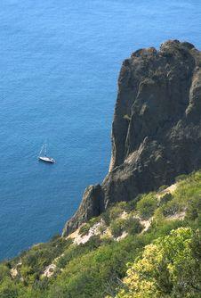 Free Sea,  Rocks And Yacht Stock Photo - 3229660