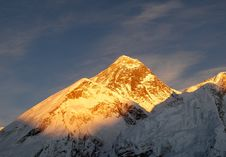 Free Everest Mountain Royalty Free Stock Images - 32209079