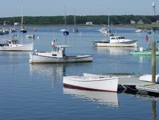 Free Maine Lobster Boats In Harbor. Royalty Free Stock Images - 32212769