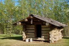 Free Trappers Log Cabin Stock Photo - 32222430