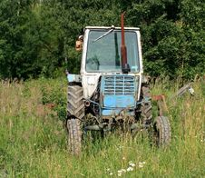 Free The Old Wheel Tractor Stock Photos - 32230033