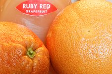 Free Grapefruits Royalty Free Stock Photo - 32242515