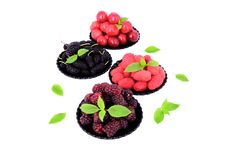 Free Mulberry, Cherry, Raspberry, Blackberry In A Plates_6 Stock Image - 32245121