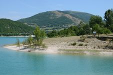 Free Clear Mountain Lake - Marche - Italy Royalty Free Stock Photo - 32249875