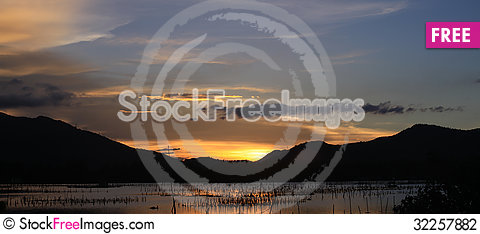 Free Sunset On Lap An Pond Stock Photography - 32257882
