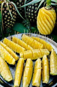 Free Pineapple Stock Image - 32252551