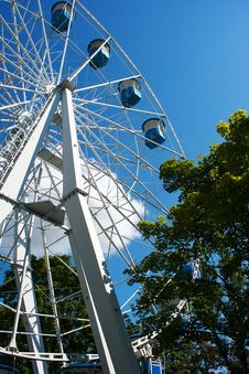 Free Ferris Wheel Attraction Royalty Free Stock Photography - 32253427