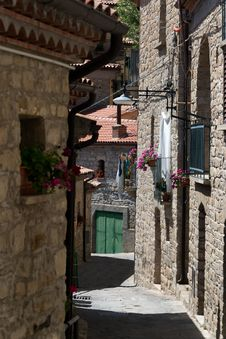 Free Street In Castelmezzano Italy Stock Photos - 32253983