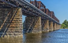 Free Train Bridge Royalty Free Stock Image - 32255516