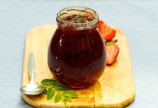 Free Strawberry Jam Royalty Free Stock Images - 32260749