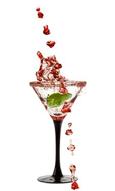 Free Martini Glass With A Splash Of Stock Photography - 32296612