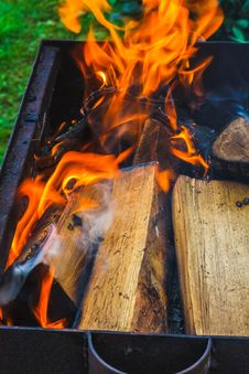 Free Wood On Fire Stock Photos - 32297843