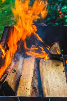 Free Wood On Fire Stock Photography - 32297892