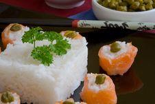 Free Salmon Sushi Royalty Free Stock Photos - 3232428