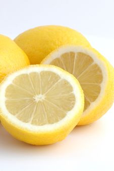 Free Lemons Cut Royalty Free Stock Images - 3233199