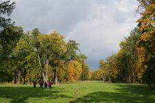Free Colorful Old Autumn Park Stock Image - 3238491