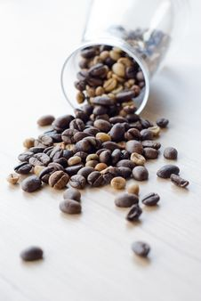 Free Coffee Beans On Table Stock Photos - 32305493