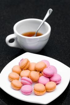 Free Macaroon And Tea Stock Images - 32306244