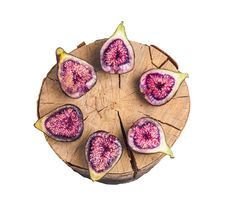Free Fruits Figs On Wooden Stump Stock Photography - 32332642
