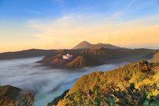 Free Bromo Mountain In Tengger Semeru National Park At Sunrise Royalty Free Stock Images - 32335919