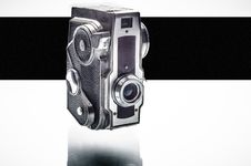 Free Old Analog Camera Royalty Free Stock Photos - 32337328