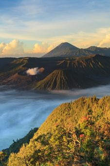 Free Bromo Mountain In Tengger Semeru National Park At Sunrise Royalty Free Stock Photos - 32350868