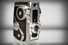 Free Old Analog Camera With Copy Space Royalty Free Stock Images - 32354039