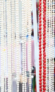 Free Many Beads Of Pearls And Corals. Close-up. Royalty Free Stock Photos - 32354388