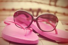 Free Fashionable Women S Sunglasses And Pink Flip Flops Stock Photo - 32368390