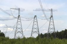 Free High-voltage Support Of Transmission Lines Royalty Free Stock Photography - 32372737