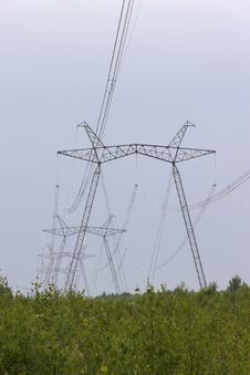 Free High-voltage Support Of Transmission Lines Royalty Free Stock Photography - 32372767