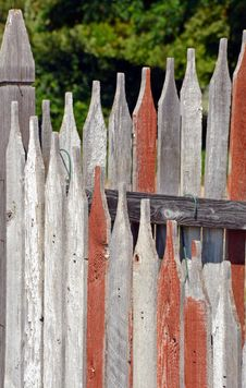 Free Old Wooden Fence Stock Images - 32373394