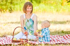 Free Mom And Son Have A Picnic Stock Images - 32396584