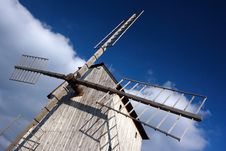 Free Wooden Windmill Stock Photos - 3242053