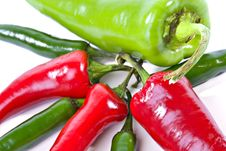 Free Red And Green Peppers Stock Photography - 3243402
