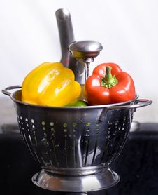 Free Fresh Peppers Royalty Free Stock Image - 3243406
