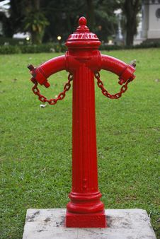 Free Red Fire Hydrant Stock Photos - 3245293