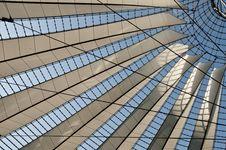 Free Modern Architecture Royalty Free Stock Photos - 32401928