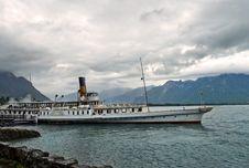Free Old Retro Steamer On Lake Geneva Royalty Free Stock Image - 32406546