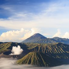 Free Bromo Mountain In Tengger Semeru National Park At Sunrise Royalty Free Stock Photos - 32412868