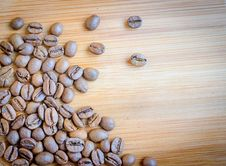 Free Coffee Beans Royalty Free Stock Photos - 32416408